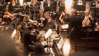 Das Argovia Philharmonic nahm die Zuhörer in der Stadtkirche Aarau mit auf eine musikalische Entdeckungsreise nach England. Priska Ketterer