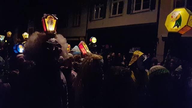 Punkt vier Uhr am Spalenberg: «Morgestraich, vorwärts marsch»