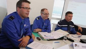 Von links Harry Niggli (neuer Regionenchef Olten), Thomas Zuber, (Kommandant Kantonspolizei) und Daniel Bürki, (Kommandant Stadtpolizei Olten).