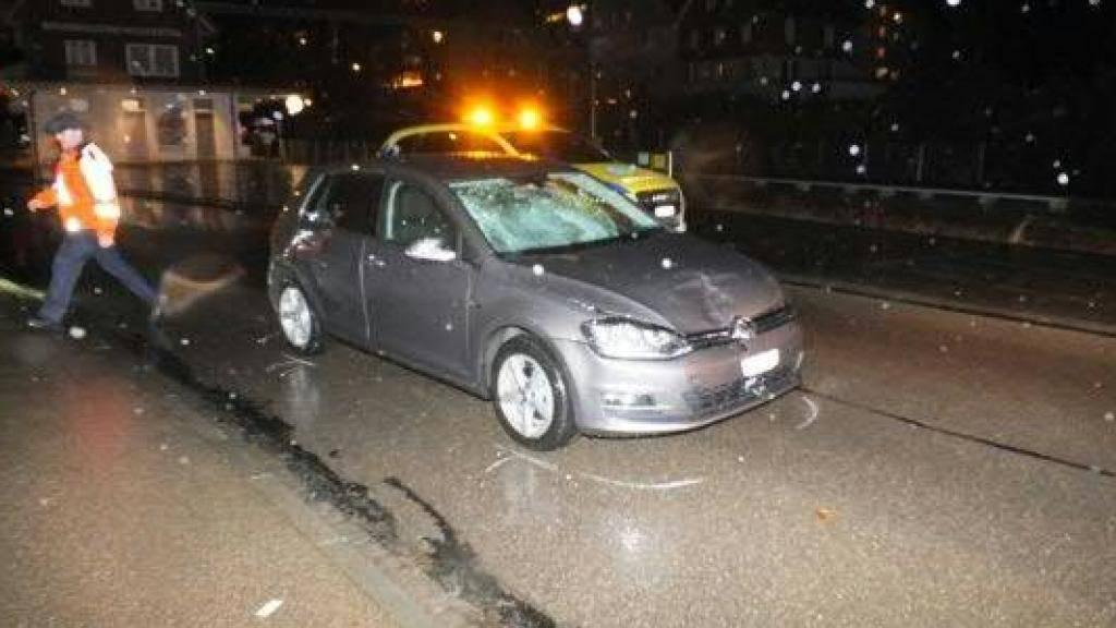 Das Kantonsgericht St. Gallen muss sich nochmals mit einem Unfall in Brunnadern vom Dezember 2014 befassen, bei dem eine junge Frau schwer verletzt wurde.