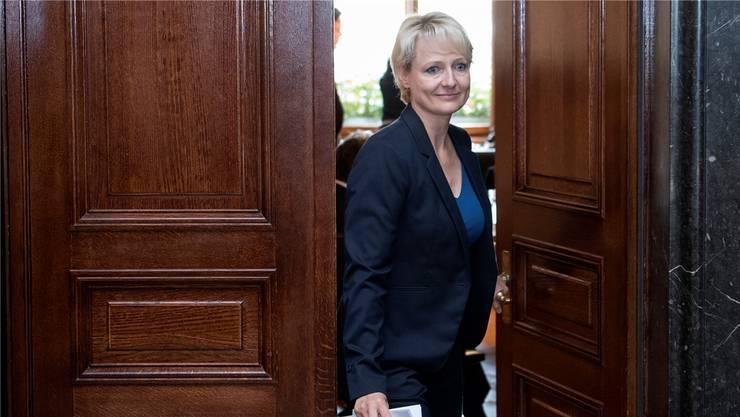 Im Bundeshaus ist man gespannt, wie die neue Nationalratspräsidentin Isabelle Moret (FDP) den Namen «Le groupe du centre. PDC-PEV-PBD» über die Lippen bringen wird.