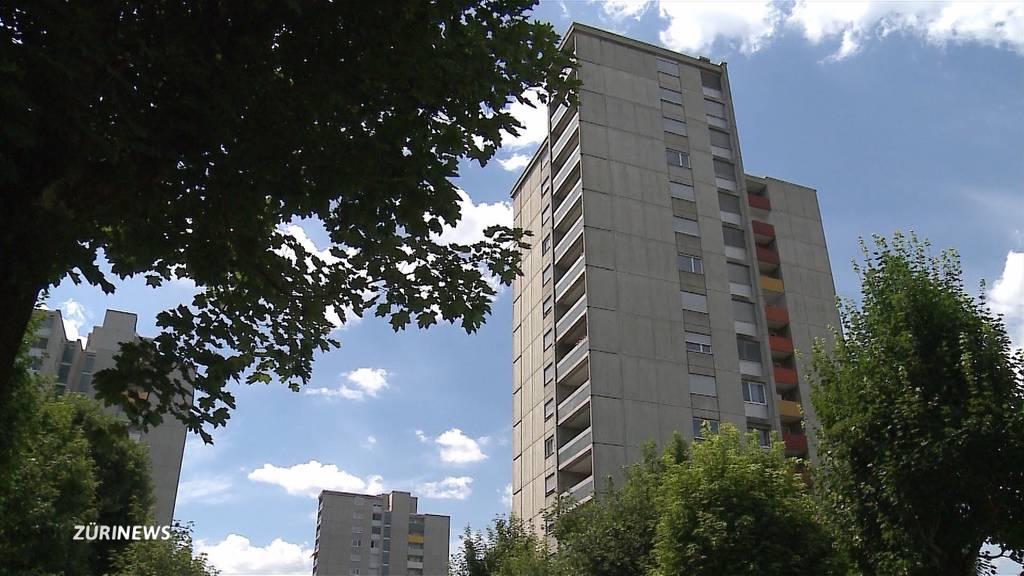 Brugg: Mann stirbt nach Balkonsturz aus dem sechsten Stock