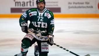 Verkörpert den bisher glücklos und ungenügend agierenden EHC Olten: Stürmer Diego Schwarzenbach.