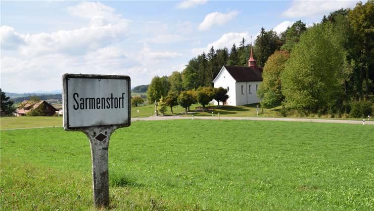 Früher hiess es, der Ortsname Sarmenstorf sei auf «sarmenius turum» für «Dorf zwischen Berg und Bach» zurückzuführen. Das ist zwar spannend, aber falsch. Toni Widmer