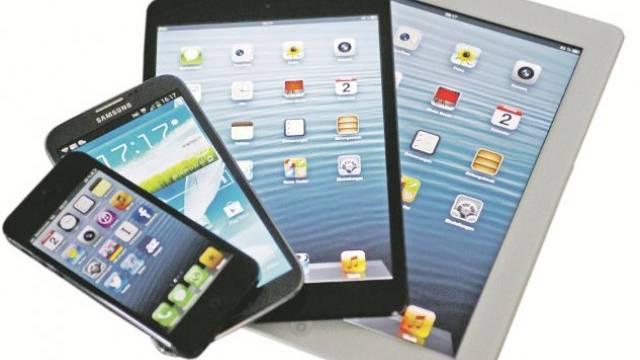 Smartphones und Tablets machen den Computern und Laptops ernsthaft Konkurrenz. Foto: Emanuel Freudiger