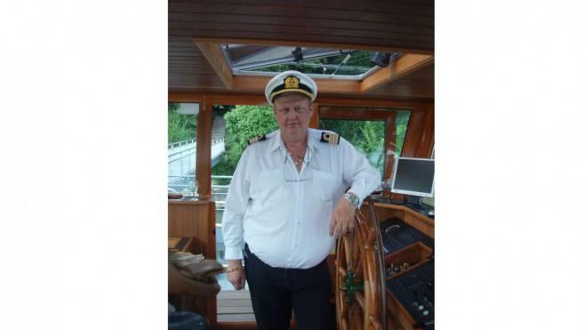 Adrian Ludwig (59) verkehrt seit 1972 auf dem Rhein. Foto: ZVG