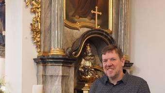 Redet Klartext: Bernhard Lindner in der Kirche in Oeschgen, wo er bis im Frühling als Seelsorger wirkte.