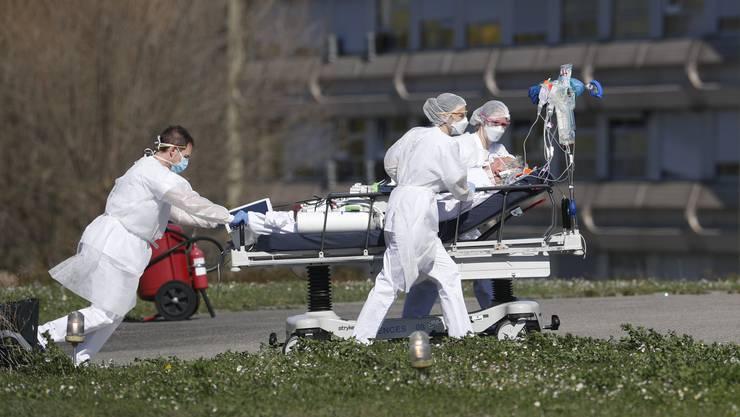 Corona-Notfall in Mulhouse: Im Elsass spitzt sich die Lage immer weiter zu.
