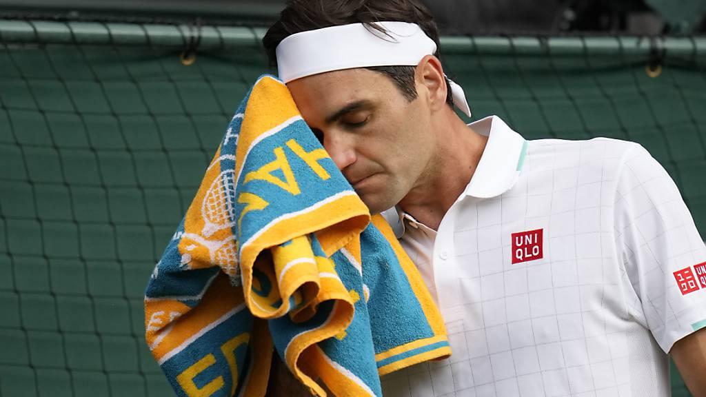 Bittere Niederlage: Roger Federer scheitert im Wimbledon-Viertelfinal klar in drei Sätzen