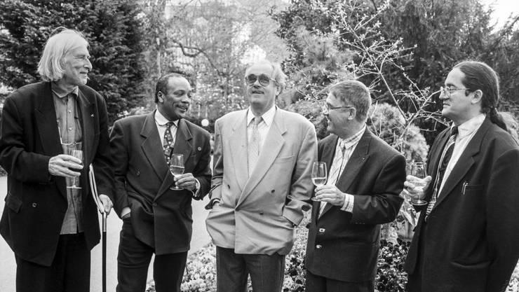 Michel Legard (Mitte) verstarb mit 86 Jahren. Hier am 27. Montreux Jazz Festival am 30. April 1993 mit Tomi Ungerer, Quincy Jones, Claude Nobs und Jean-Luc Largier (v.l.n.r.).