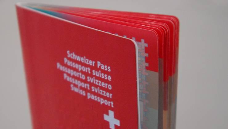 Pass: Nur noch bis 15. Februar in der Gemeinde erhältlich. (Foto: Walter Schwager)