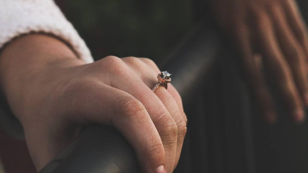 Im Fressnapf verloren: Wem gehört dieser Ehering?
