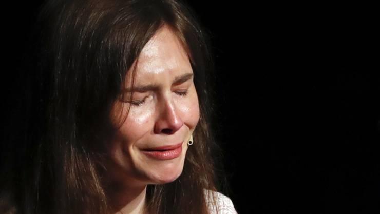 In einer emotionalen Rede an einem Kongress zu Justizirrtümern im italienischen Modena hat Amanda Knox ihre Version des Mordes an einer britischen Austauschstudentin vor zwölf Jahren verteidigt.