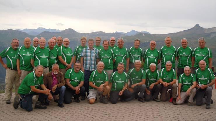 Ein Gruppenbild der Männerturner auf dem Maschgenkamm