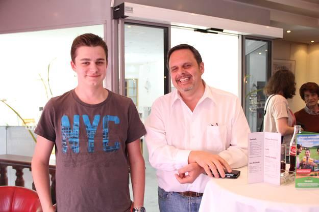 Rochus Burtscher ist stolz auf den erst 18-jährigen Andreas Leupi, der zwar nicht in den Kantonsrat gewählt wurde, aber sich mit seiner Kandidatur einen Namen gemacht hat