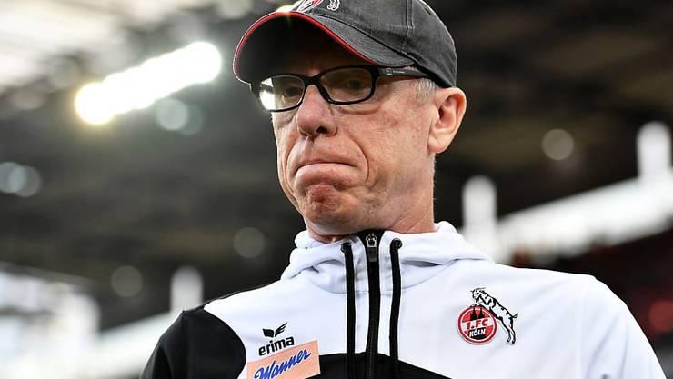 Die Miene von Köln-Coach Peter Stöger spricht Bände