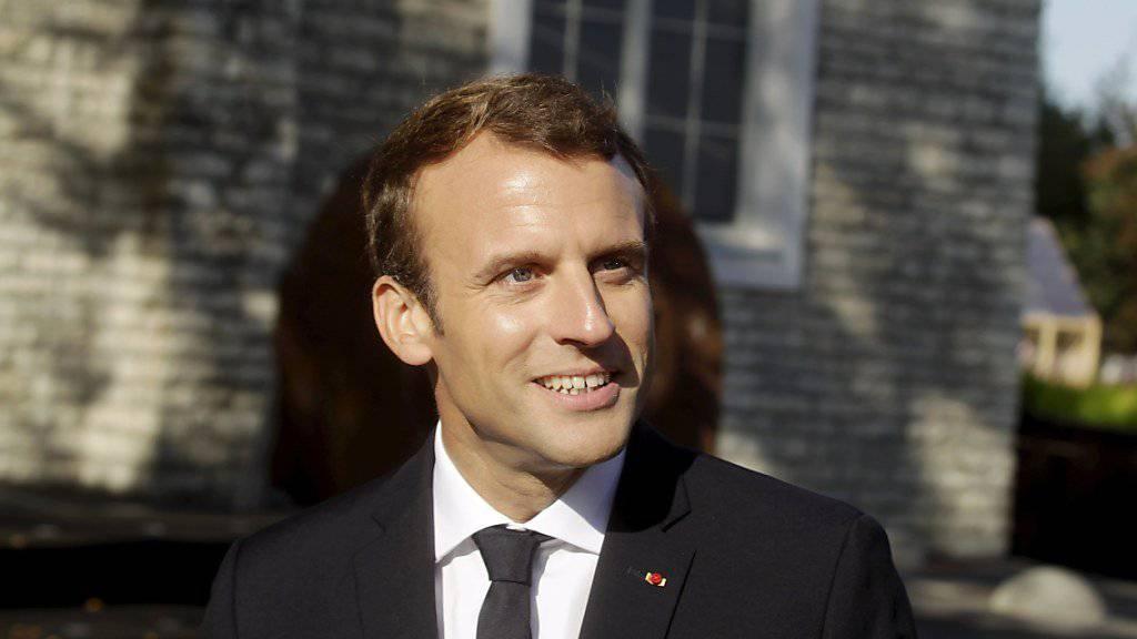 Der französische Präsident Emmanuel Macron will 10'000 Flüchtlingen die legale Einreise nach Frankreich ermöglichen. (Archiv)