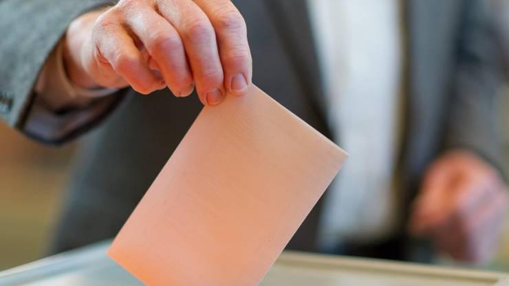 Kommenden Sonntag werden die Stimmberechtigten an die Urne gerufen. (Symbolbild)