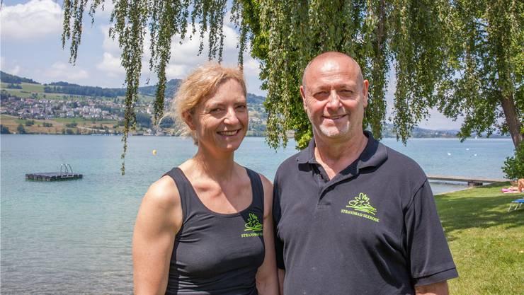 Kurt Freudemann und Karin Schmitz müssen das kleine Paradies am Hallwilersee verlassen.