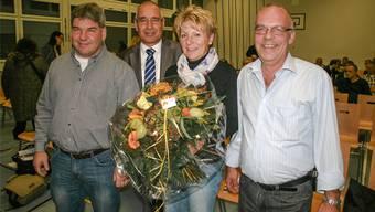 Für Thomas Vetter (l.) und Heinz Knecht (r.), im Bild mit Hildi Ipser und Peter Weber, war es die letzte Versammlung als Gemeinderäte. psc