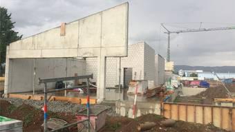 Die neue Tennishalle an der Batastrasse in Möhlin ist derzeit im Bau. nbo