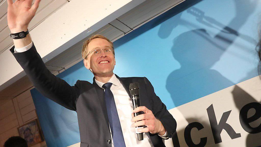 Jubeln nach dem Sieg: Der Spitzenkandidat der CDU im norddeutschen Bundesland Schleswig-Holstein, Daniel Günther.