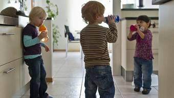 Kinder sollen in allen sie betreffenden Gerichts- oder Verwaltungsverfahren angehört werden (Symbolbild)