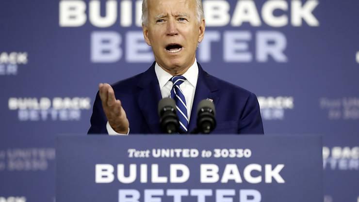 ARCHIV - Joe Biden, demokratischer Bewerber um die Präsidentschaftskandidatur und ehemaliger US-Vizepräsident, spricht bei einer Wahlkampfveranstaltung in der Schule Colwyck Training Center. Foto: Andrew Harnik/AP/dpa