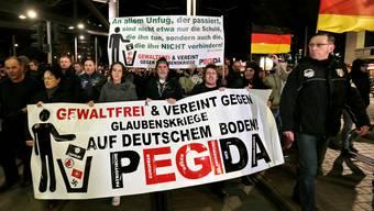 Eine anti-islamischen Pegida-Demo in Dresden. Im Februar sollte es auch in der Schweiz Demos geben.