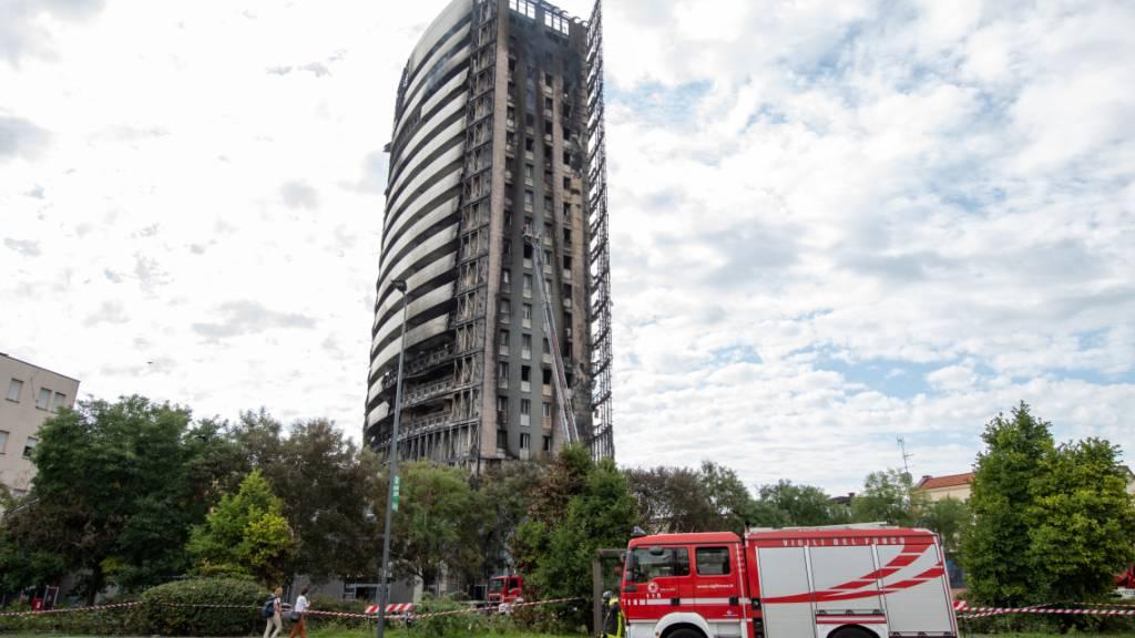 Nach Hochhaus-Brand in Mailand dauern Untersuchungen an