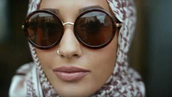 «Sei auffällig, trag keine Unterwäsche, zieh dich an wie ein Teenie»: Der aktuelle Werbeclip von H&M mit Model Mariah Idrissi.