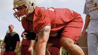 Daniel Glauser wartet gespannt auf den NFL-Draft Ende April. SRF/Chase
