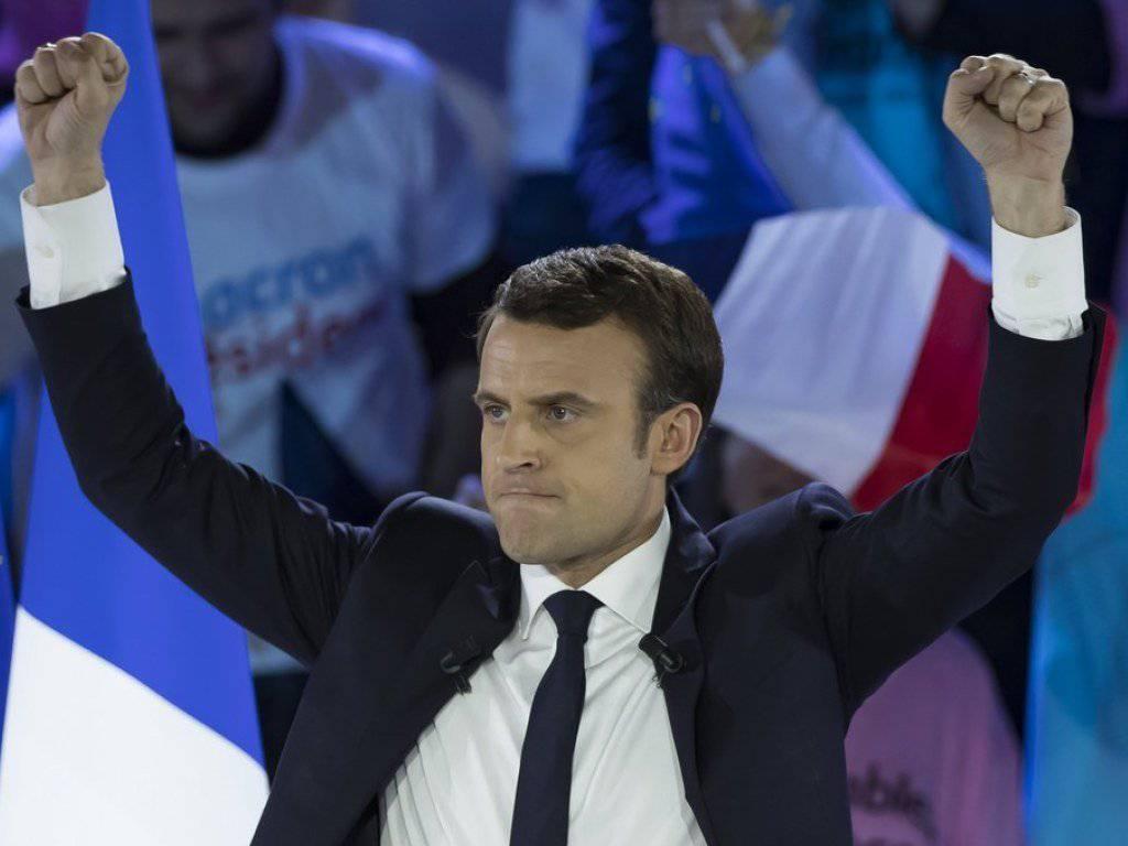Der Favorit hat sich durchgesetzt, und Brüssel atmet auf: Emmanuel Macron zieht als neuer Präsident in den Élysée-Palast.