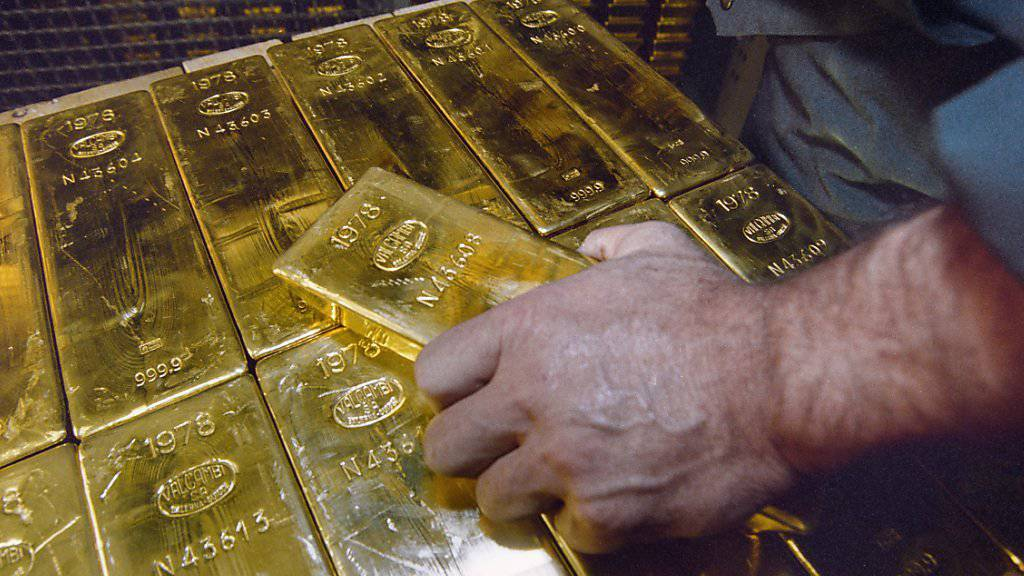 So billig wie seit sechs Jahren nicht mehr: Gold, hier Barren im Tresor der Schweizerischen Nationalbank. (Archiv)