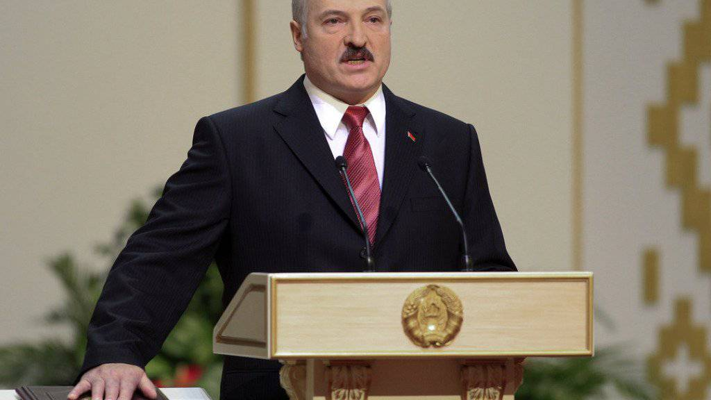 """""""Jeder Mensch sollte Tiere lieben"""", findet Weissrusslands Herrscher Alexander Lukaschenko. Mit der Nächstenliebe nimmt er es allerdings nicht so genau. (Archivbild)"""