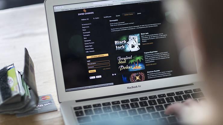 Die Netzsperren für illegale ausländische Glücksspiele im Internet funktionieren nach anfänglichen technischen Schwierigkeiten. (Archivcbild)