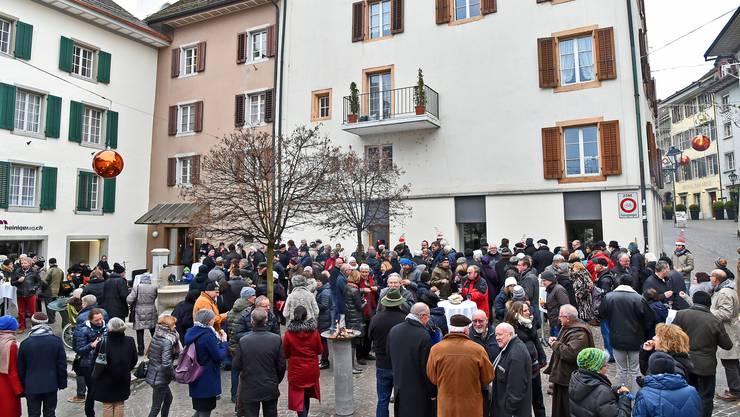 Der traditionelle Neujahrsapéro am 2. Januar – wie hier auf dem Kaplaneiplatz in diesem Jahr – findet 2019 nicht statt.