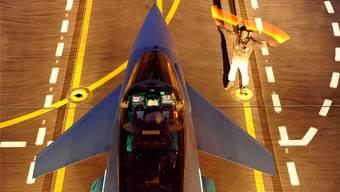 Der Eurofighter ist eines der Kampfflugzeuge, die EADS herstellt.Eurofighter/Geoffrey Lee