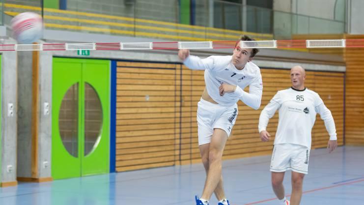 Die Männer des STV Oberentfelden – am Schlag Tim Egolf – gewinnen neun von zehn Qualifikationsspielen.