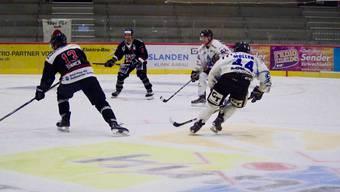 Argovia-Stars-Spieler Michel Simmen und Pascal Wittwer in Aktion.