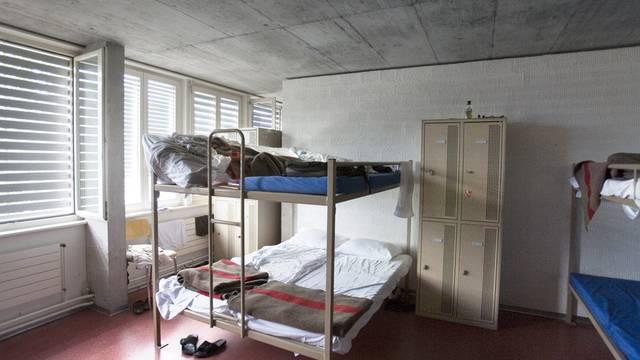 Betten in einem Asylzentrum (Symbolbild)