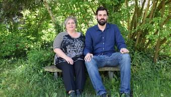 Laura D'Auria lebte jahrelang mit 986 Franken im Monat. Marco Giorgi (rechts) von der Caritas unterstützte sie.