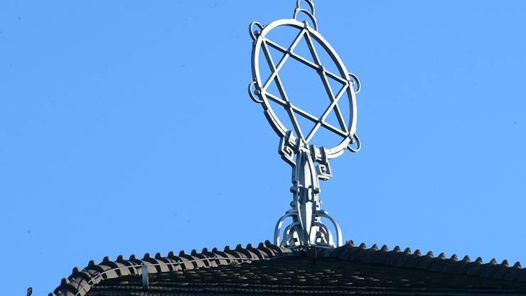Davidstern auf dem Dach der Synagoge in Baden. (Archiv)