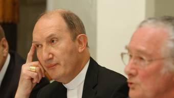 Peter Buercher (links) wird das Churer Bistum als Apostolischer Administrator leiten (Archiv).