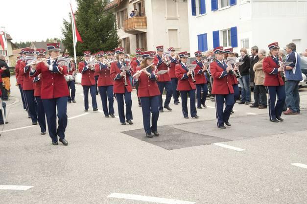 Die MG-Langendorf eröffnet die Parademusik