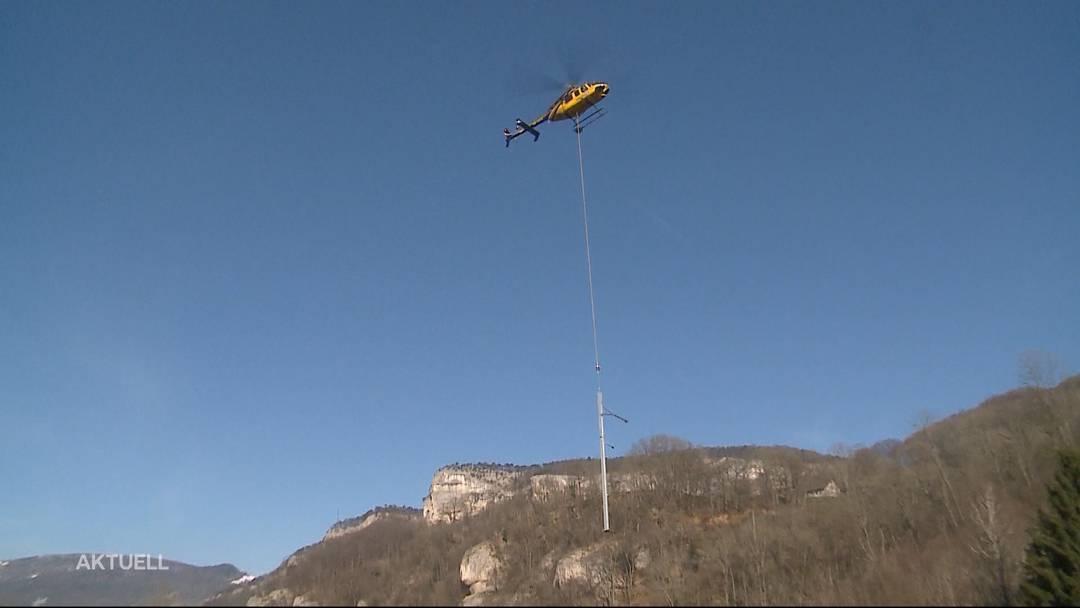 Fahrleistungsmasten in Oensingen per Helikopter ersetzt