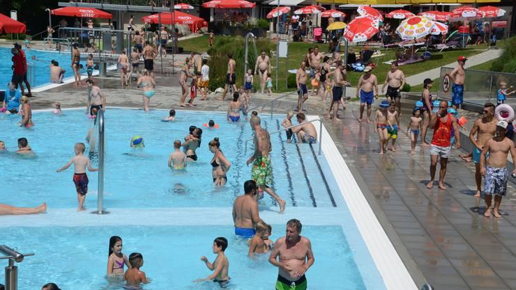 Zahlreiche Besucher in den verschiedenen Fricktaler Badis