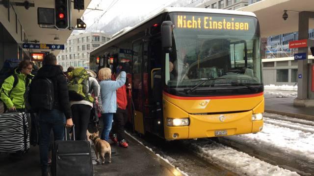 Schnee und Lawinengefahr halten Schweiz auf Trab