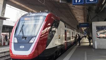 Mit Entscheid des Bundesverwaltungsgerichts dürfen die SBB bis zum Fahrplanwechsel im Dezember 2018 so viele neue Doppelstockzüge testen wie sie möchten. (Archiv)