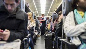 Ausharren im Zug - das mussten 200 Passagiere wegen des Unwetters. (Themenbild)